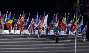 Пронос флага России в Рио-де-Жанейро стоил аккредитации двум белорусам