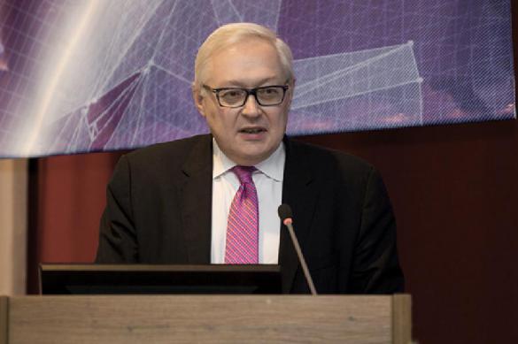Рябков: пока нет оснований обвинять Иран в авиакатастрофе