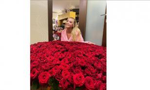 Поклонник подарил Ольге Бузовой тысячу и одну розу