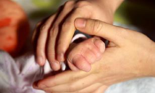 В Японии выявили первый случай передачи COVID матерью новорождённому