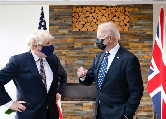 """Байден и Джонсон """"подружились"""" и подписали """"Новую Атлантическую хартию"""""""
