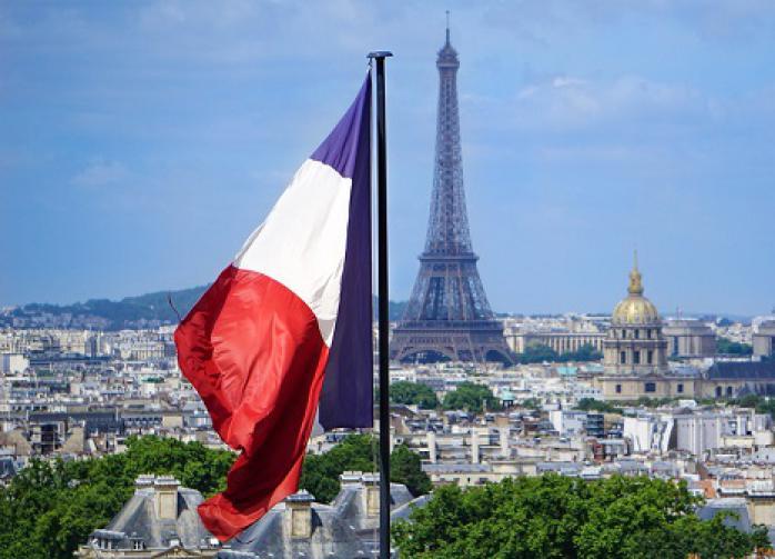 Во Франции оценили возможность введения третьего локдауна