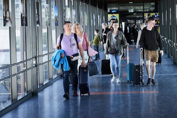 Более половины жителей России мечтают об эмиграции