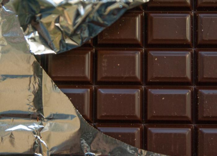 Горький шоколад положительно влияет на мозг пожилых людей