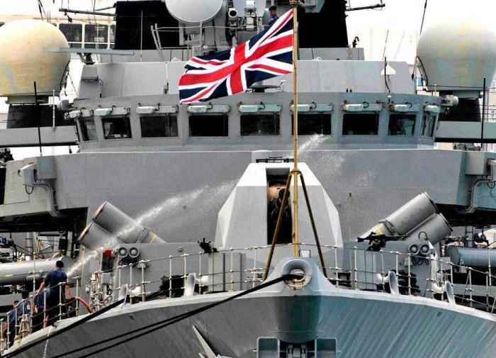 Как бы чего не вышло: британский флот начинает патрулирование Ла-Манша