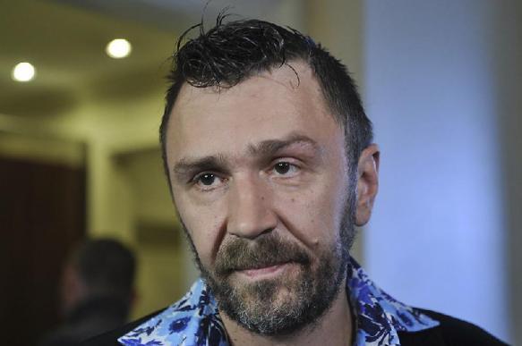 Жители Петербурга устроили акцию против творчества Сергея Шнурова