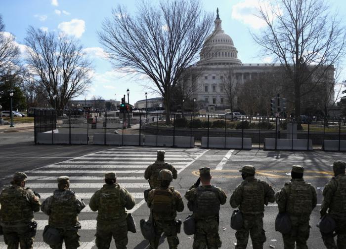 Нацгвардия США останется в Вашингтоне до конца процесса по импичменту