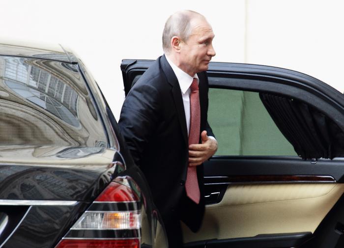 Путин: необходимо знать свои права и требовать их исполнения