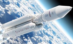 """""""Роскосмос"""" начал готовиться к высадке первого россиянина на Луну"""