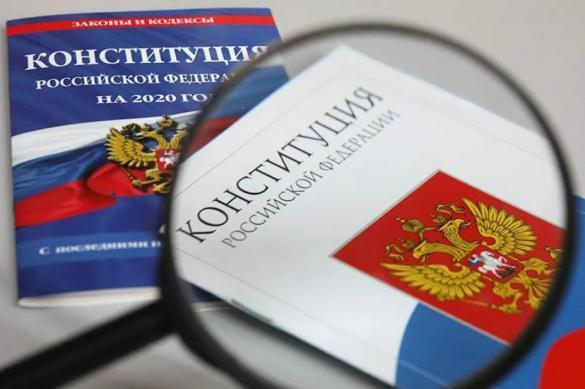 Политолог Михеев: формулировки многих поправок должны быть жестче