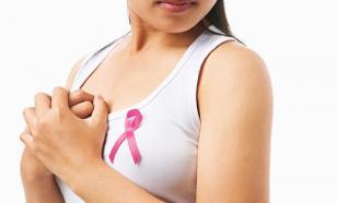 Онколог напомнила первые признаки рака груди