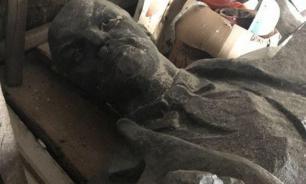 На Украине сдали демонтированный памятник Ленину на металлолом