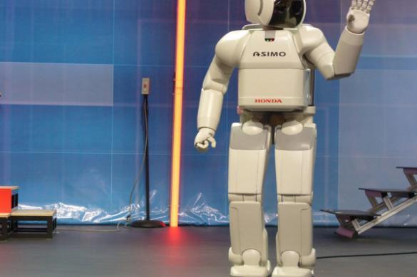 Российский робот поступил на службу в полицию Абу-Даби