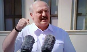 """Лукашенко наградил силовиков медалями """"За безупречную службу"""""""
