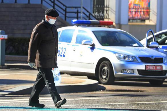 Почти пять тысяч человек в Белоруссии болеют коронавирусом