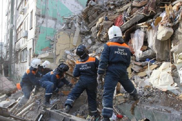 В Екатеринбурге обрушилась стена жилого дома