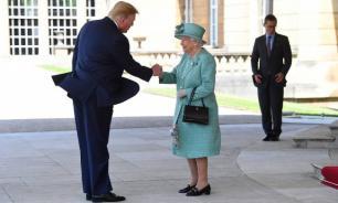 Елизавета II пожаловалась на испорченный газон из-за вертолета Трампа