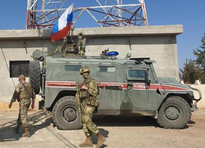 Трое российских военных ранены после обстрела боевиками БТР в Сирии