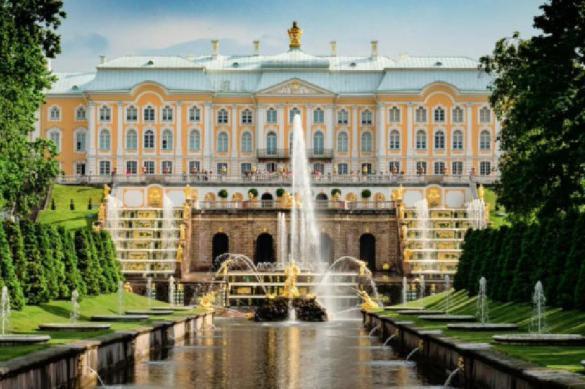 В Петергофе перенесли церемонию открытия фонтанов