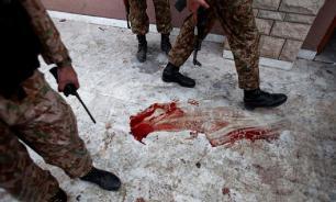Взрыв в пакистанской мечети унес жизни по меньшей мере 13 человек
