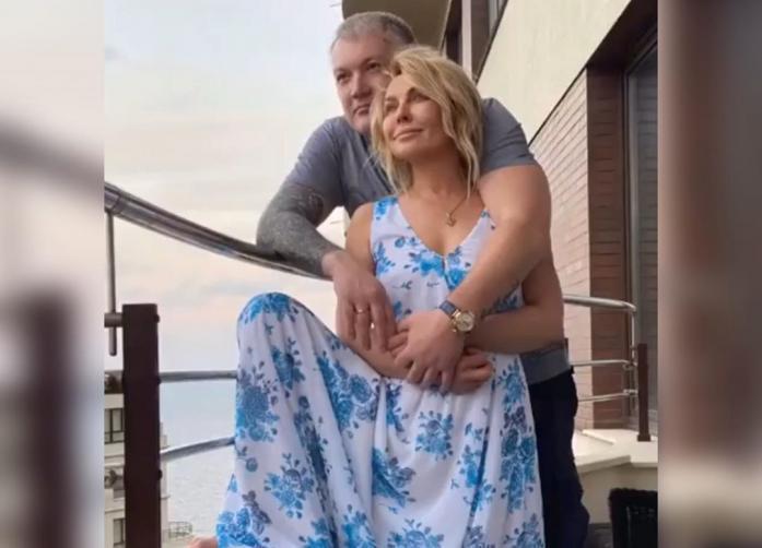 Овсиенко предоставила фотоотчёт, где видно, что муж её не бьёт