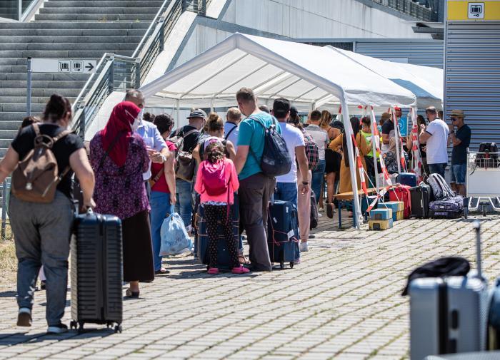 Вернувшихся из-за границы россиян оштрафовали на 15,5 миллионов