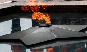 Казахские вандалы оторвали голову Воину-освободителю