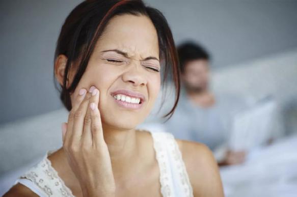 Чем снять зубную боль в домашних условиях