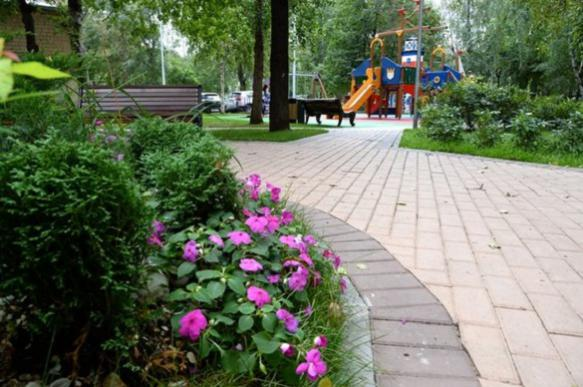 Почти 2,5 тыс. московских дворов благоустроят в этом году