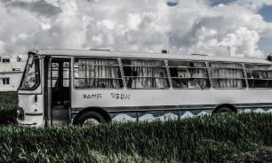 В Индонезии при падении автобуса в реку погибли 25 человек
