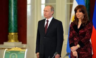"""Как """"Спутник V"""" стал оружием политической борьбы в Аргентине"""
