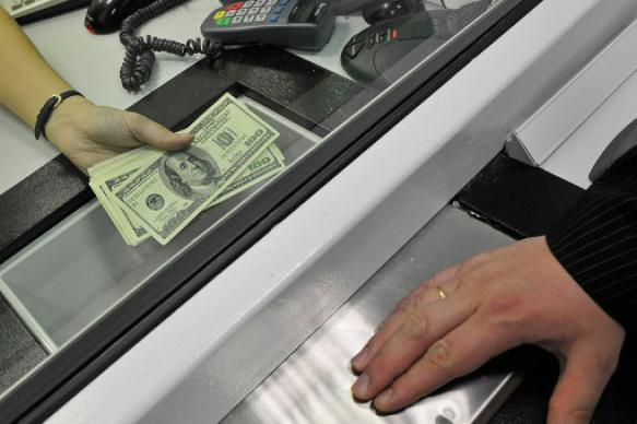 ЦБ заявил о резком росте спроса на наличную иностранную валюту в июне