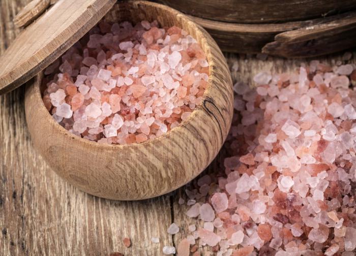 Шесть суперполезных свойств розовой соли