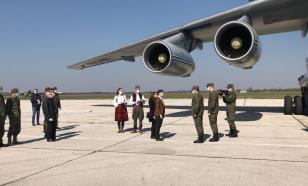 Из Сербии вылетел самолет с российскими военными и техникой