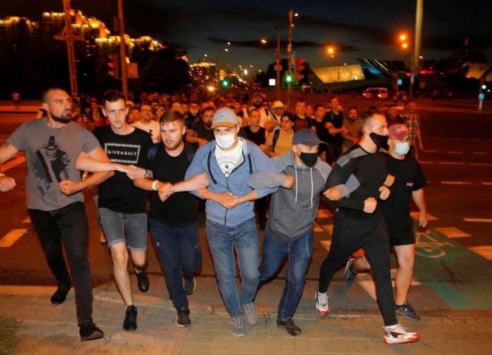Милиция Белоруссии оцепила центр Минска
