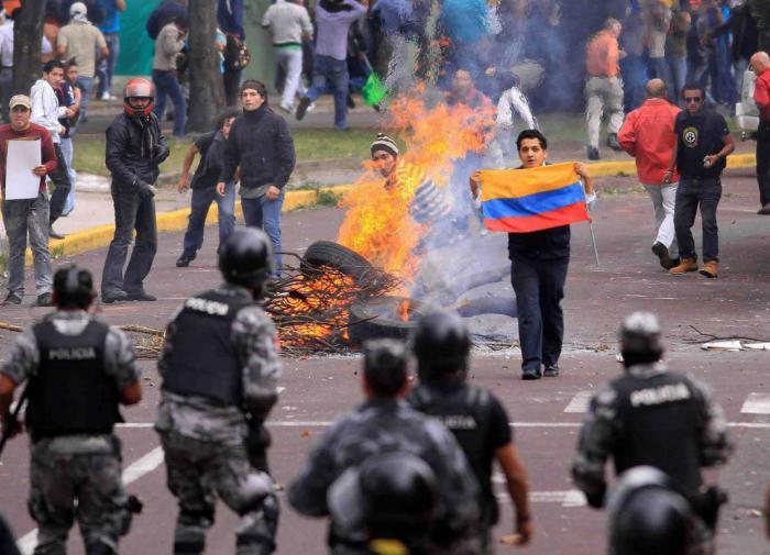 Полиция Эквадора разогнала недовольных новым кредитом от МВФ