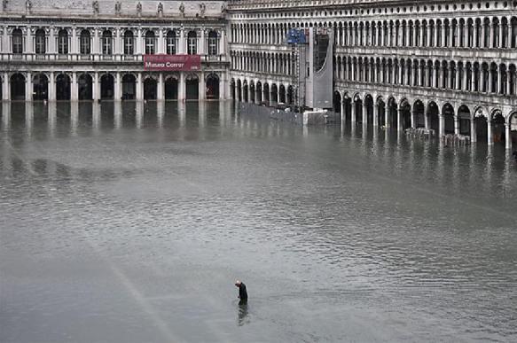 """Мэр Венеции обратился к миру с просьбой помочь городу """"донейтом"""""""