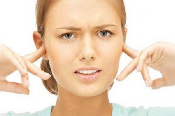 Американские ученые создали пластырь от звона в ушах