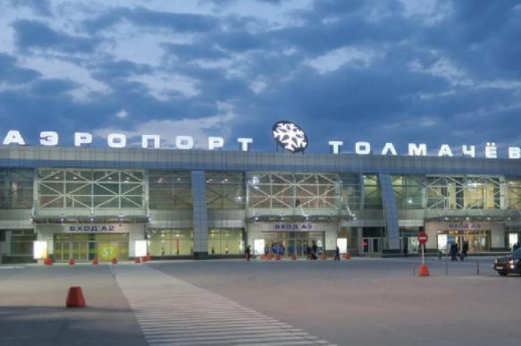 В Новосибирске при взлете у самолета загорелся двигатель