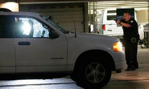 В аэпорорту Нью-Йорка идет эвакуация пассажиров в связи с сообщениями о выстрелах