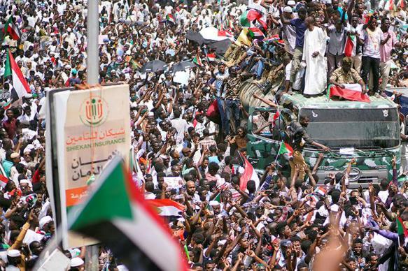 Военный совет и оппозиция Судана договорились о временном правительстве