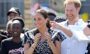 Жена принца Гарри сняла подаренное им кольцо на время тура по Африке