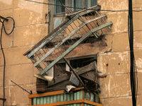 В Москве обрушились два балкона жилого дома.