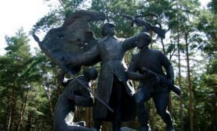 Николай Стариков:  Общий памятник с фашистскими убийцами — глумление над памятью народа