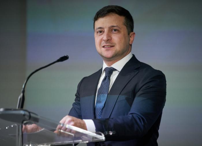 Зеленский: мы все осуждаем покушение на господина Навального