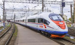"""Поезд """"Сапсан"""" задержался в пути из-за погодных условий"""