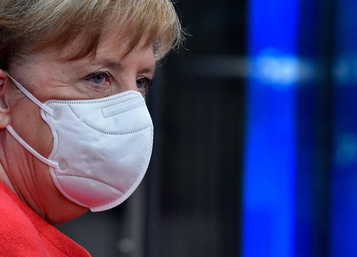 На пороге изоляции: Меркель решает, ужесточать ли карантин