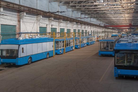 Крупнейший троллейбусный завод распрощался с половиной работников