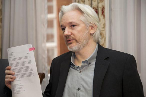 Джулиан Ассанж остался без гражданства Эквадора