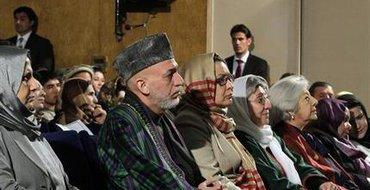Карзай обвинил США в сговоре с талибами